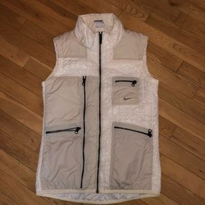 Women's Nike athletic vest zip pocket
